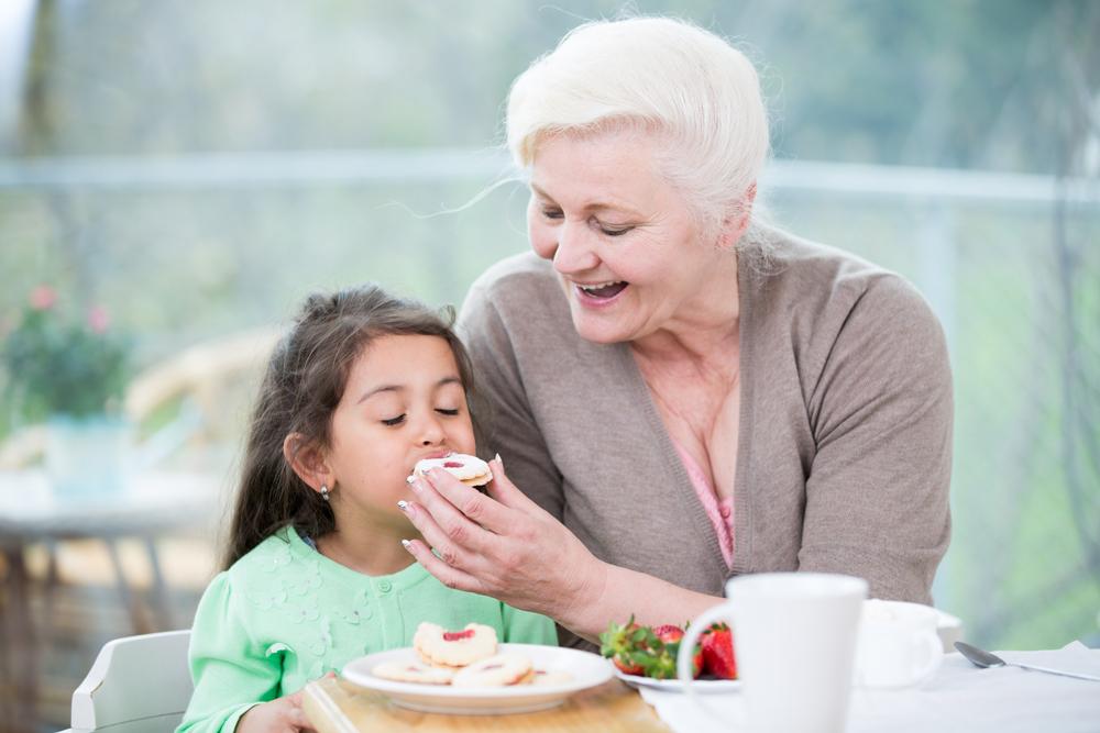 Кому доверить воспитание ребенка агентство домашнего персонала Дом Счастья